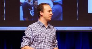 Cep Telefonları ve Politika | Cell Phones and Politics | Alexandre Gonçalves | TEDxReset