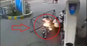 Indian Motorcyclist's Mobile Phone Explodes at Petrol Station Pump