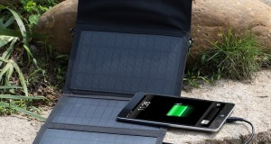 Review of the GRDE 10 watt solar mobile phone charger